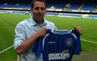 Michael Chopra joins Ipswich Town from Cardiff